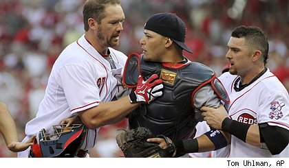 cards-reds-scuffle-420t.jpg